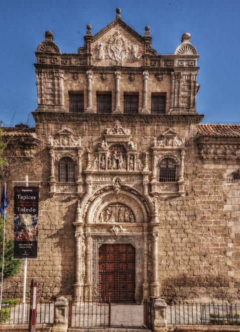PORTADA DEL MUSEO DE SANTA CRUZ