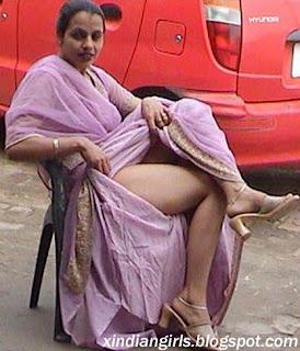 hot indian girls punjabi aunty upskirting outdoor