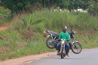 http://2.bp.blogspot.com/_Ya3fG6SpTeo/SiD6e4WEjKI/AAAAAAAABzU/uaAvv7uHBSI/s400/exotic_way_of_delivering_things_35.jpg