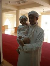 suamiku dan anakku..