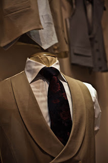 Reader question: Differences between bespoke tailors
