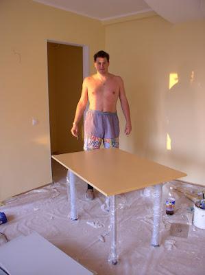 Готовый кухонный стол
