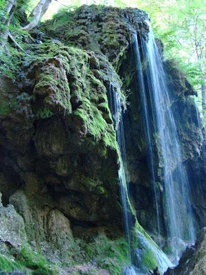 Etropolski wodopad Warowitec
