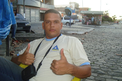 http://2.bp.blogspot.com/_YdEmewFsaSc/Srt95Hog2II/AAAAAAAABHc/_aruqFalg8M/s400/ACS+ROBERTO+EM+SERRINHA.jpg