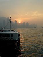 Skyline von Hongkong im Abendlicht