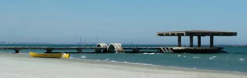 Ponton pe plaja din Mamaia