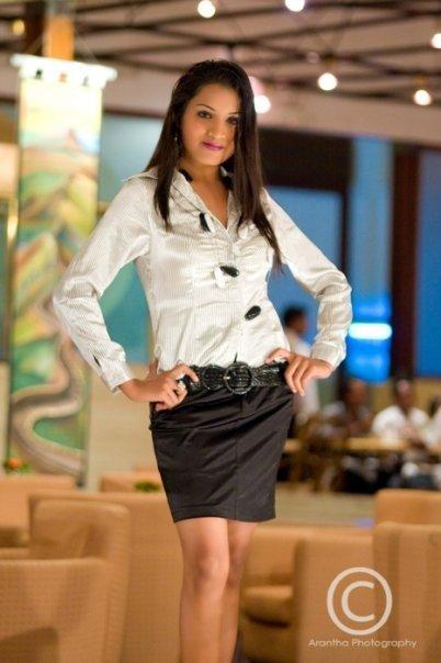 http://2.bp.blogspot.com/_YgVIy1rP_Kw/S_Da6j0Ru3I/AAAAAAAABM8/1KR2nUCLlHo/s1600/Udarika+Kasunhari+Sri+Lanka.jpg