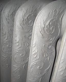 sandstrahlen mitten in berlin alte heizk rper aus gusseisen. Black Bedroom Furniture Sets. Home Design Ideas