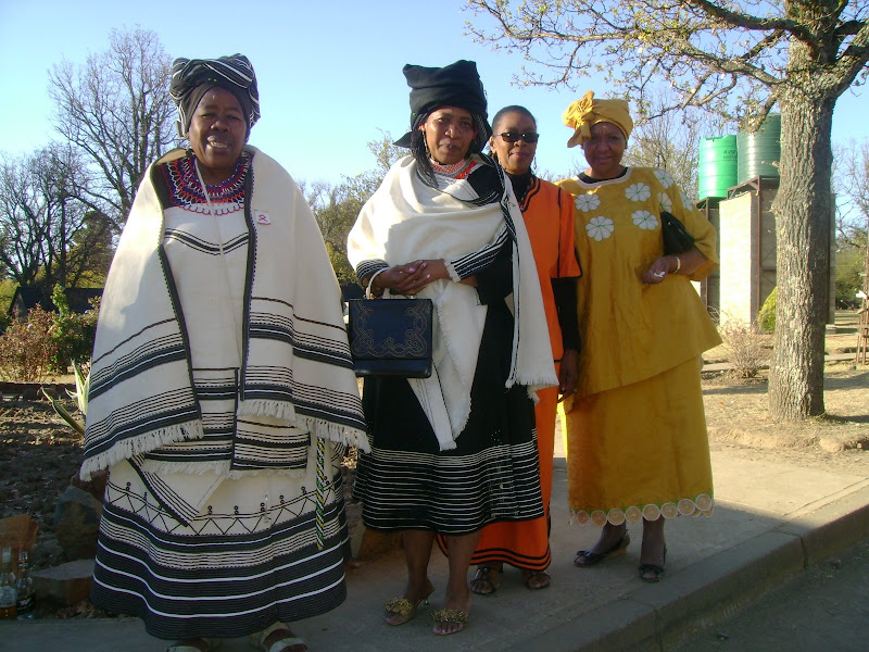 xhosa clothing are designated for men and women clothing are typically