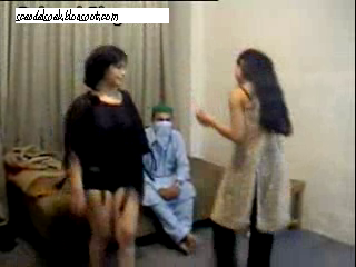 Girls Two Pakistani Whores Dancing In Black Bra Panties Big Boobs