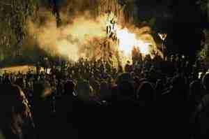 http://2.bp.blogspot.com/_YjbKFr9SUJQ/TSIgyxFO_HI/AAAAAAAABJo/7kQQrty1veM/s320/solidarity%2B11%2B2.jpg