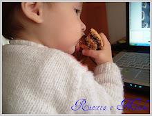 """Mio figlio mangiando """"Le Coccole"""" di Anna Moroni..."""