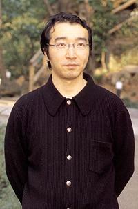 معلومات عن مؤلفي المانغا مع أسمـــــــائهم ....  Newzaroundus_yoshihiro-togashi-01