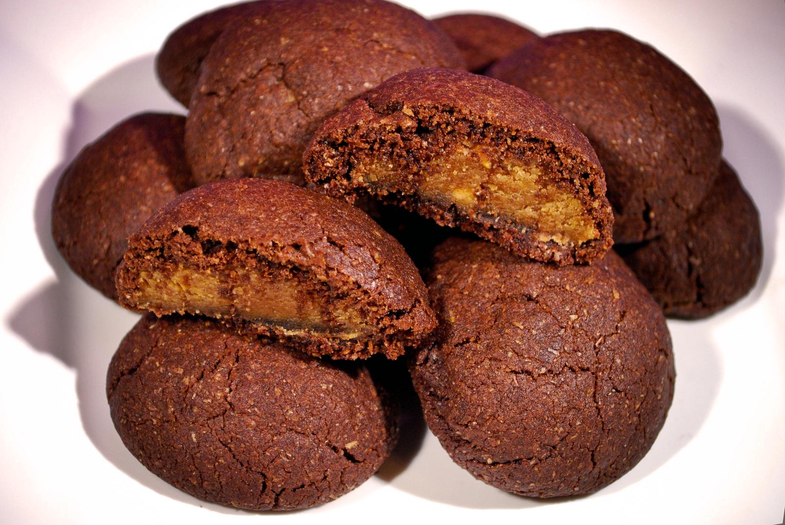 GillyCakes: Vegan Chocolate Peanut Butter Pillow Cookies
