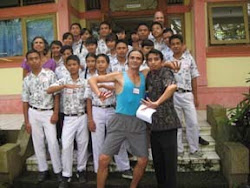 Carlos Teaches BALAM's Repertoire to Balinese High School Students