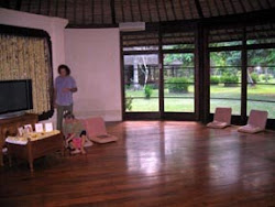 Shelley Teaches a Oneness Blessing Experience at a Private Estate in Kerobokan, Bali