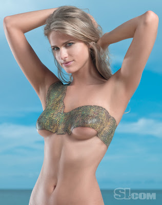 Julie Beach Body painting