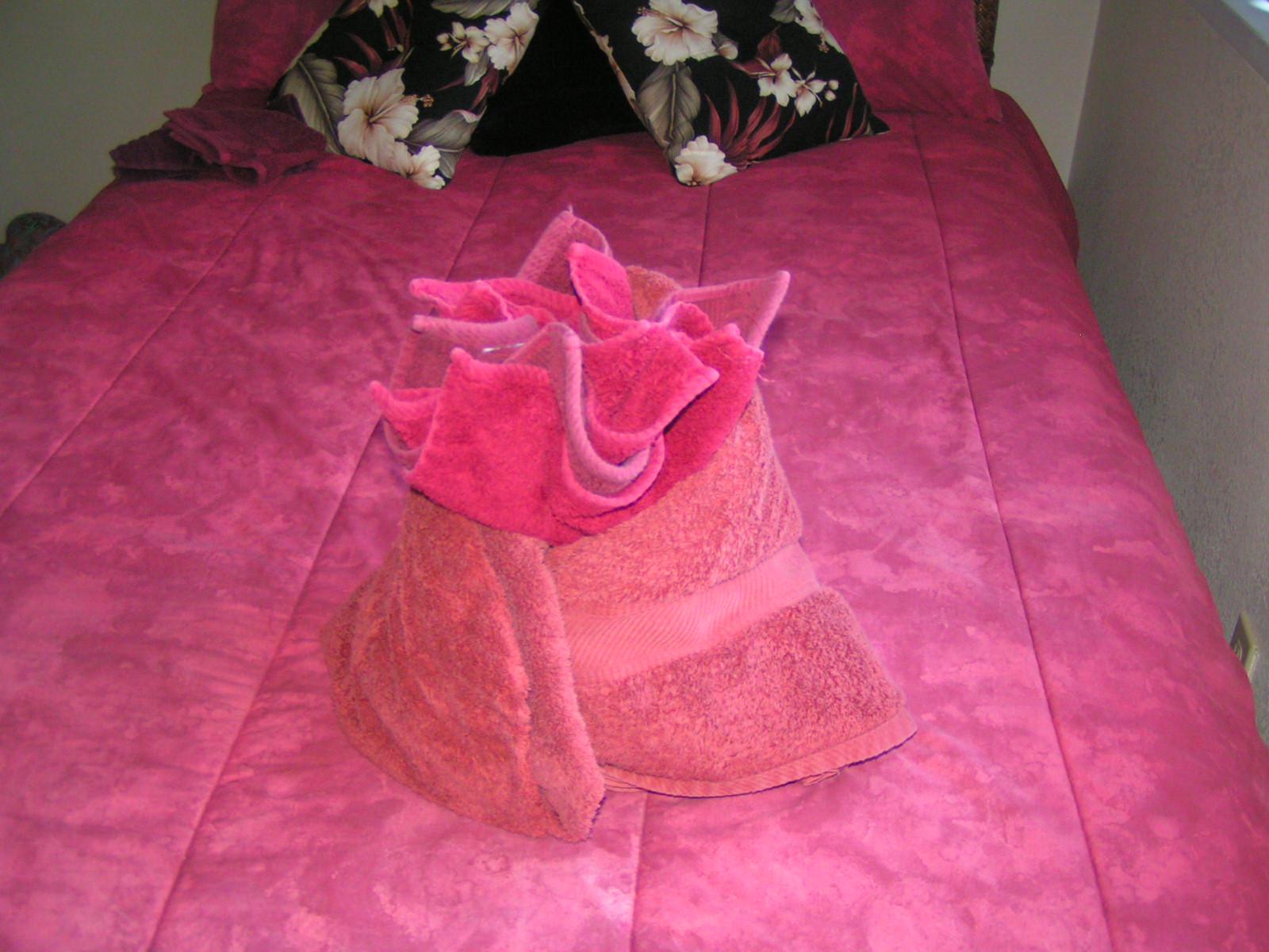 Origami Of Towels Like Never Before Odd Stuff Magazine