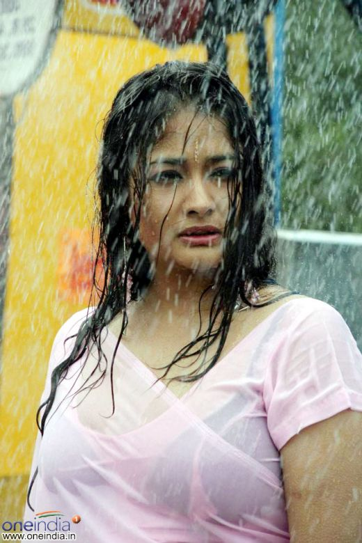 South spicy KIRAN RATHOD wet pics cleavage