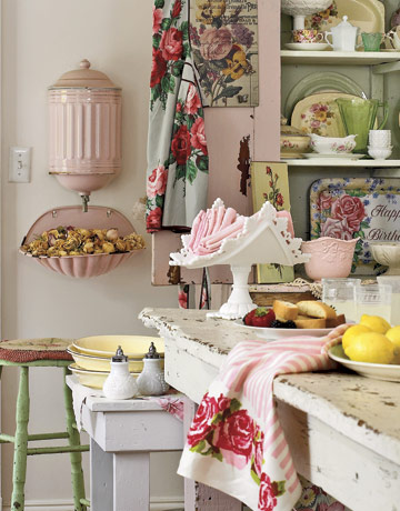 Shabby chic distressed kitchen inspiration i heart for Country kitchen inspiration