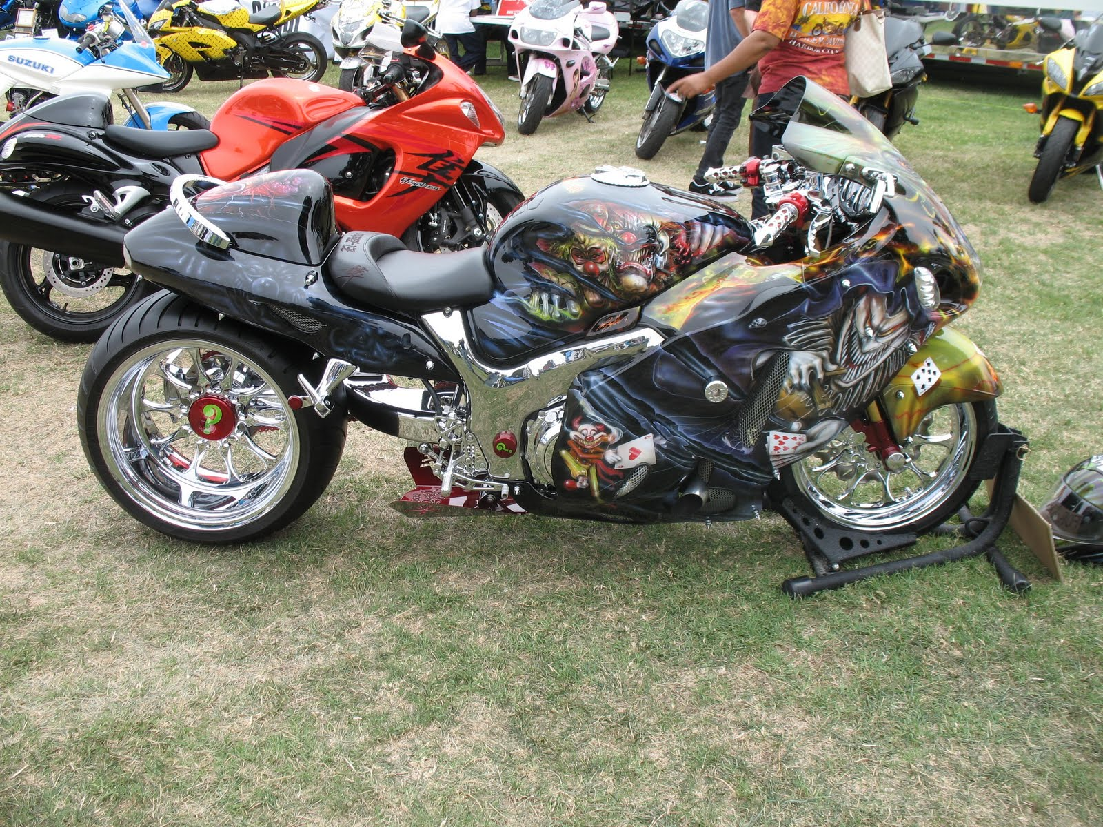 Custom Chopper Motorcycles S Heres A Sports Bike With Some Cool Clown Paint