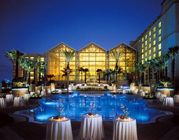 World 39 s luxury resorts hotels gaylord palms resort in for Luxury hotels of the world