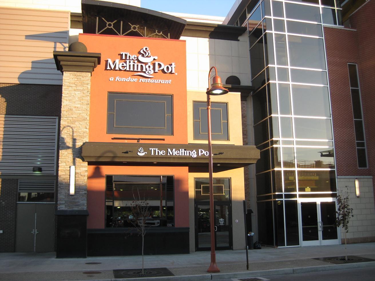 the melting pot galleria mall