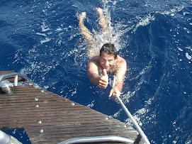 Petit bain juste avant l'arrivee au Cap Vert!