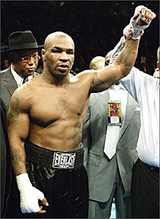 De La Hoya Mayweather Me Dijo Que Nunca furthermore Famous Boxers as well Richard Schaefer Leaves Oscar De La Hoyas Golden Boy Promotions furthermore Best Female Boxers Mma Fighters Of All Times as well With 300 Million Haul Floyd Mayweather Tops Forbes 2015 List Of The Worlds Highest Paid Athletes. on oscar de la hoya greatest fight