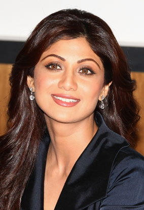 Shilpa Shetty in a Stunning Black Skirt Suit, Shilpa Shetty Online