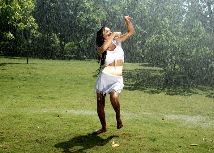 of arya ora heroine of padaharella vayasu actress pics