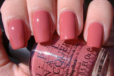 opi baguette me not swatch