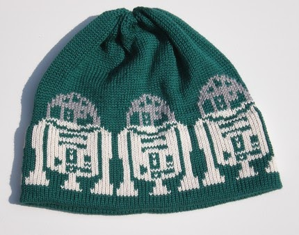 Knitting Pattern For R2d2 Hat : astropixie: R2D2 knitted hat!