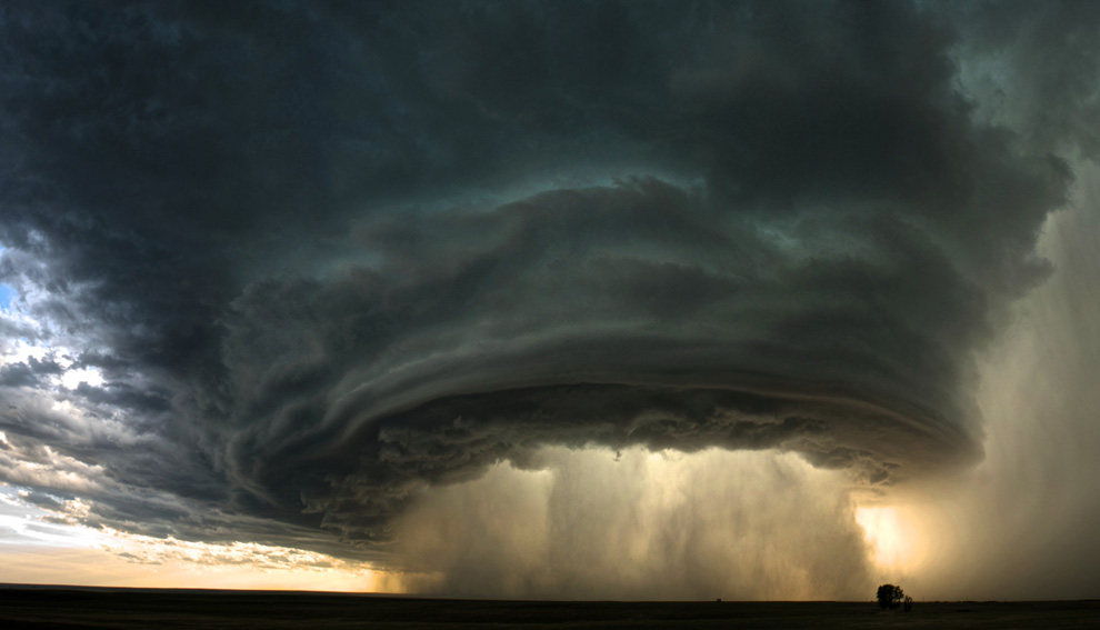 fantastic storm photo for national geographic by sean heavey .