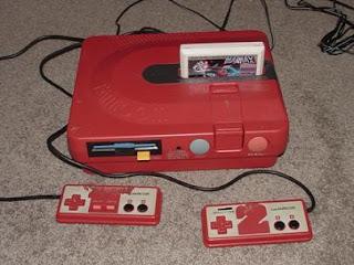Consoles étranges , Machines méconnues ou jamais vues , du proto ou de l'info mais le tout en Photos - Page 10 Twin_Famicom_Repair4