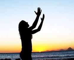 """""""Ó, vinde, adoremos e prostemo-nos! Ajoelhemos diante do Senhor que nos criou"""". Salmo 95:6"""