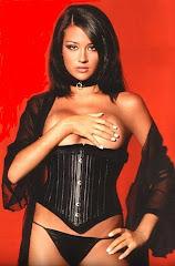Giorgia Palmas nu vrea să se mărite cu Bombardini si biografia in engleza.