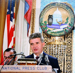 Ceausescu la o conferinta de presa la National Press Club
