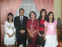 Keluarga Besar DR. Drs. Adrianus  Asia Sidot, M.SI