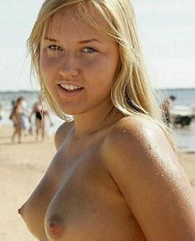 Filmando Mulheres Nuas Na Praia Homem Tarad O Foi Para De