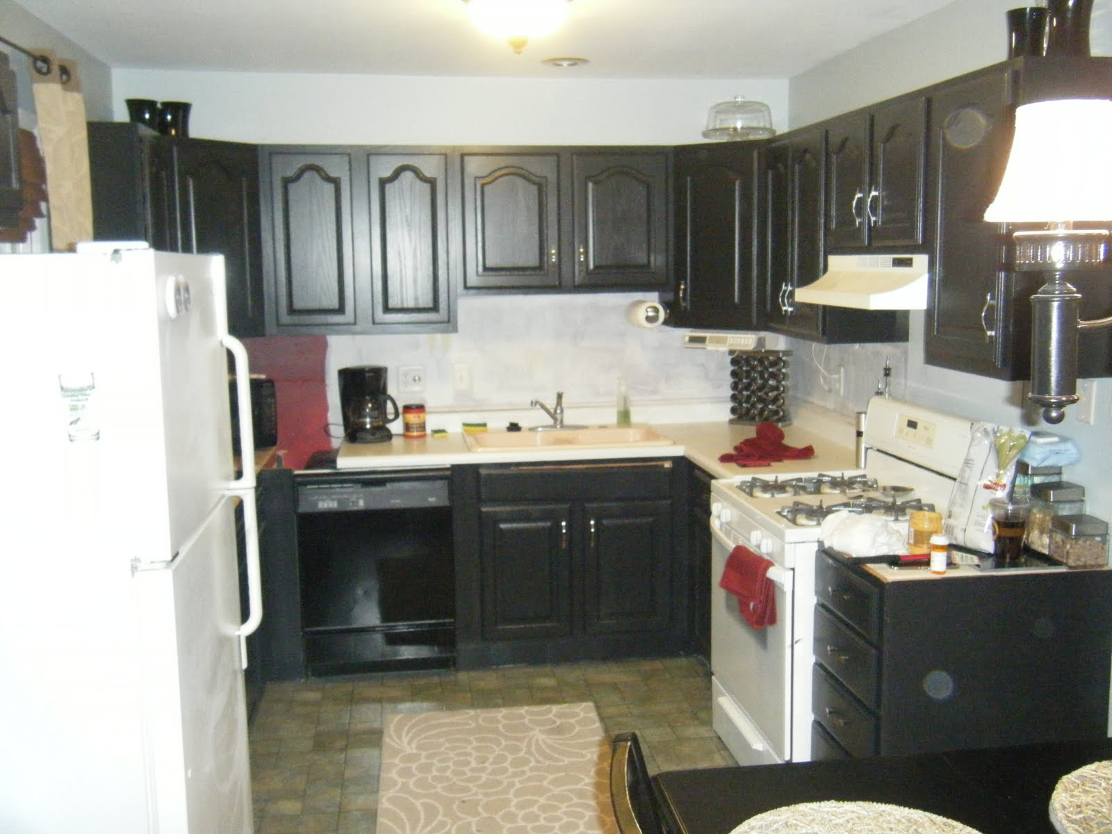 Paint kitchen cabinets before and after for Kitchen cabinets before and after