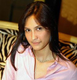 dinna olivia foto gambar seksi artis cantik indonesia photo gallery