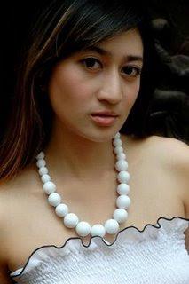 helmalia putri foto gambar seksi artis cantik indonesia photo gallery