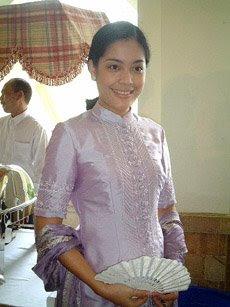 lulu tobing foto gambar seksi artis cewek cantik indonesia sexy photo gallery
