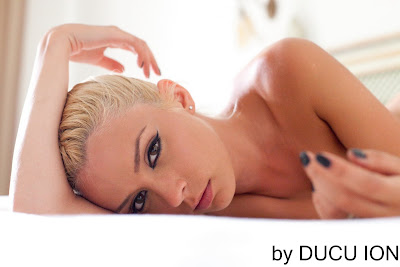 Diana Dumitrescu a pozat goala
