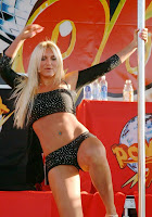 Brooke Hogan striptease