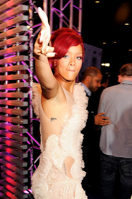 Rihanna was sexy @ MTV EMA 2010