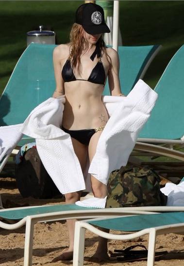 Vedete in bikini : Avril Lavigne