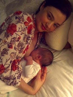 Miranda Kerr şi bebeluşul său