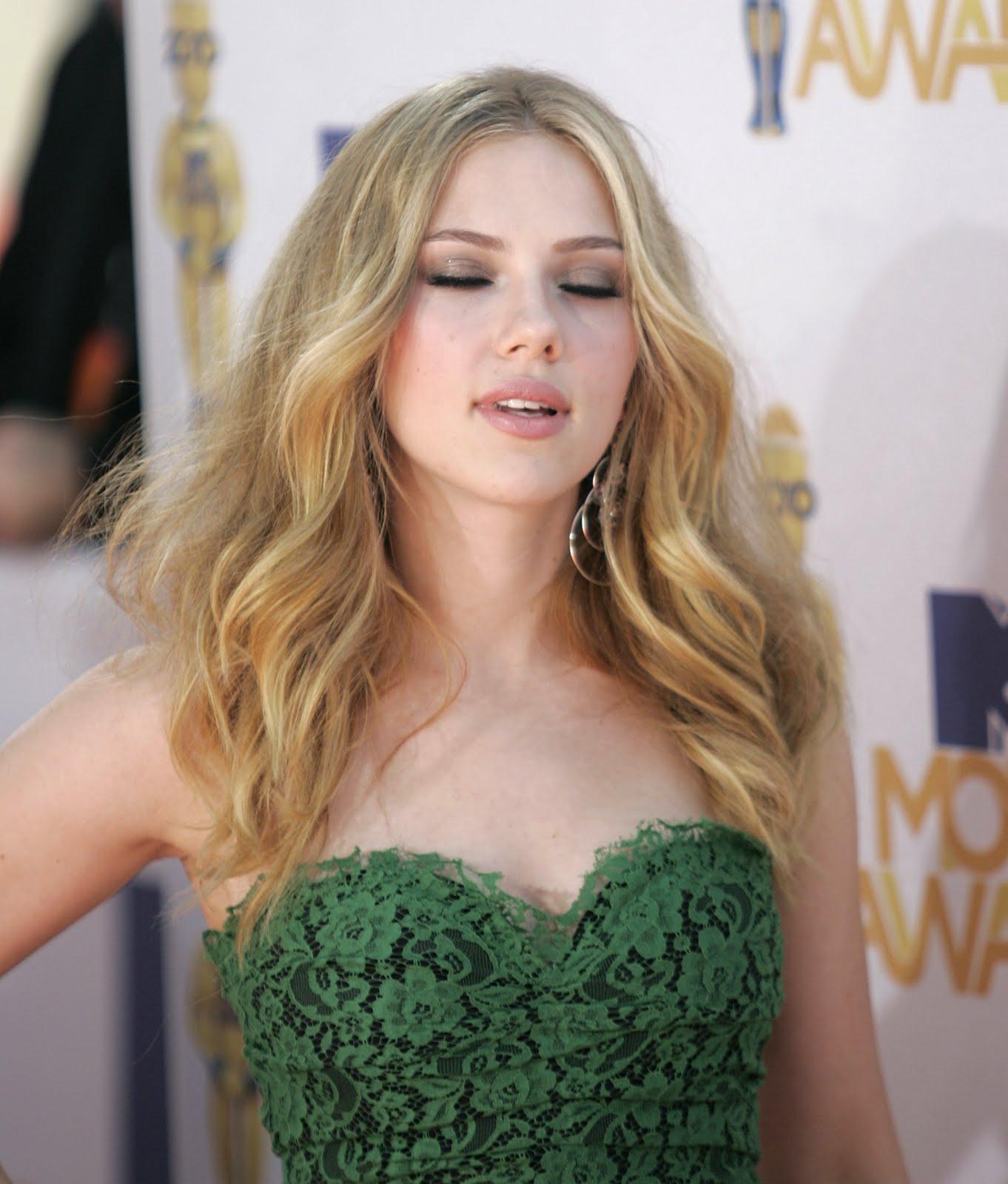 http://2.bp.blogspot.com/_YzoNgr0eLEo/TU5hLMH19MI/AAAAAAAAHqo/hwkSlY-FjBw/s1600/21688_ScarlettJohanssonMTVMovieAwards10_122_348lo.jpg